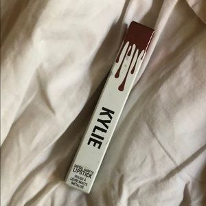 Kylie Cosmetics Makeup - Kylie metal matte in reign- never used